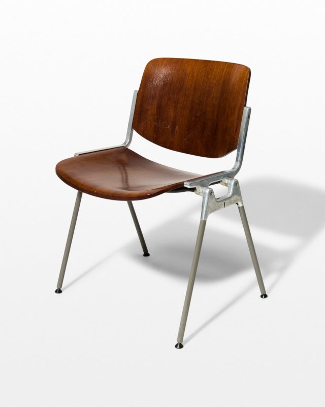 Front view of Gian Stackable Chair