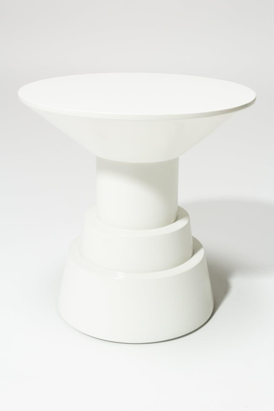 Tb194 South White Lacquer Side Table Pedestal Prop Rental