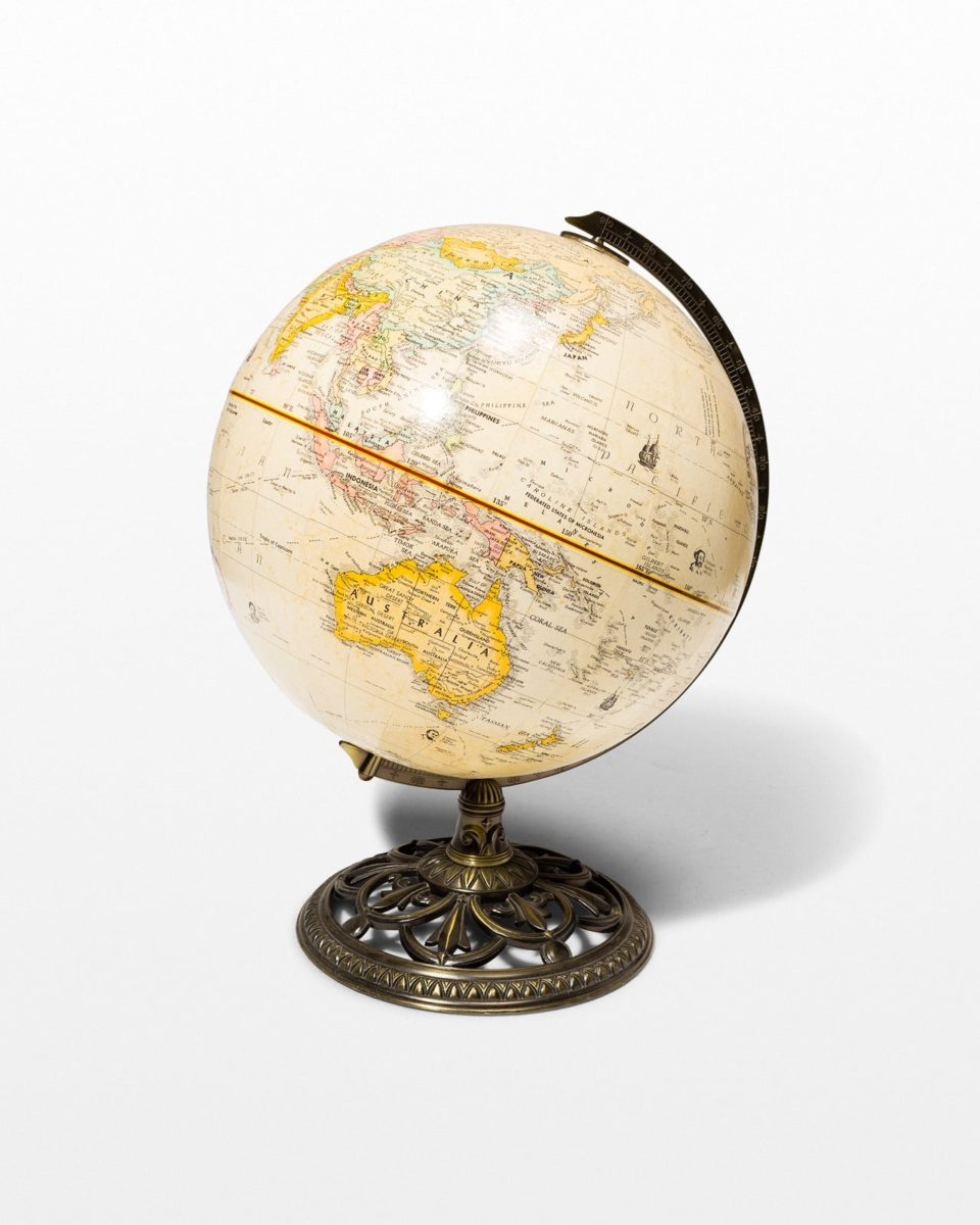 Front view of Bron Globe