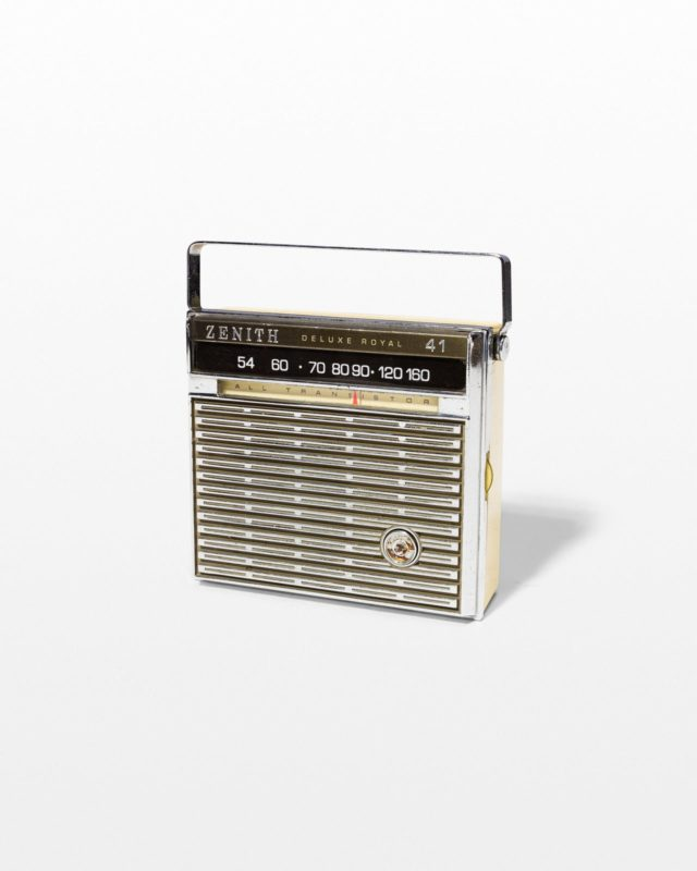 Front view of Casey AM/FM Radio