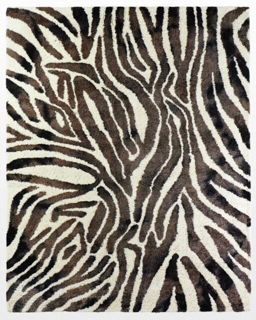 Front view of Matiko 8 x 10′ Foot Rug