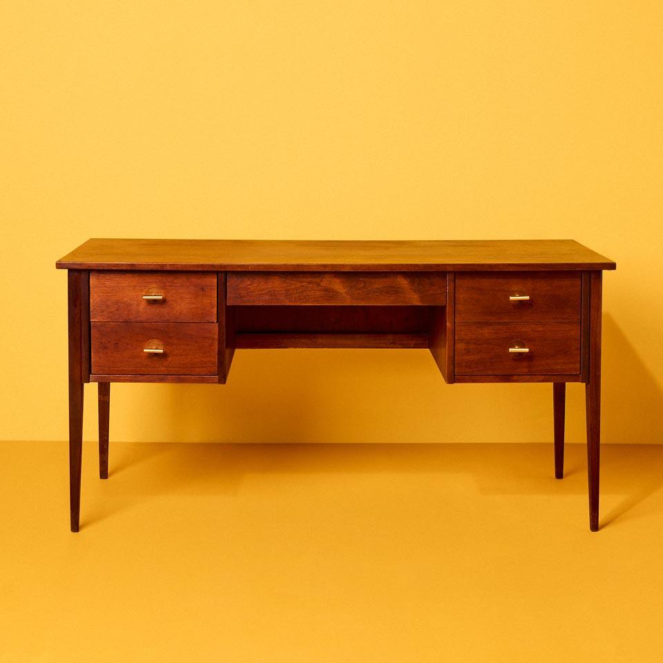 Category: Desks and Vanities