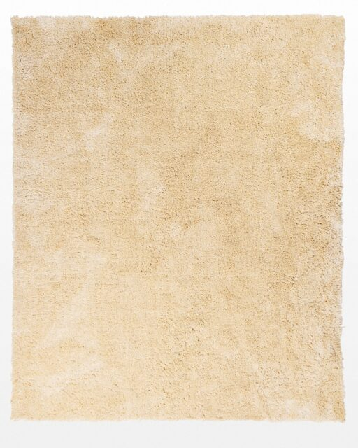 Front view of Giles Cream 8.5 x 12′ Foot Shag Rug