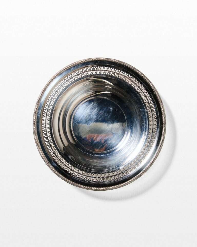 Front view of Niles Silver Tray